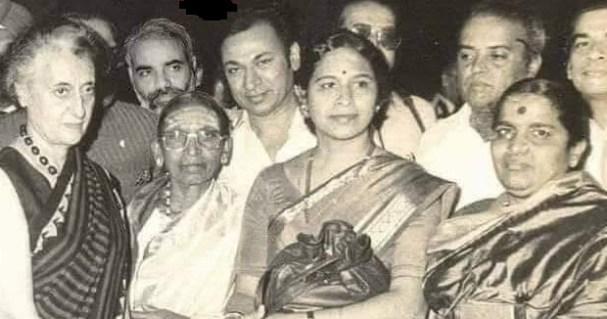 Modi in old photo of Kannada actor Rajkumar with Indira