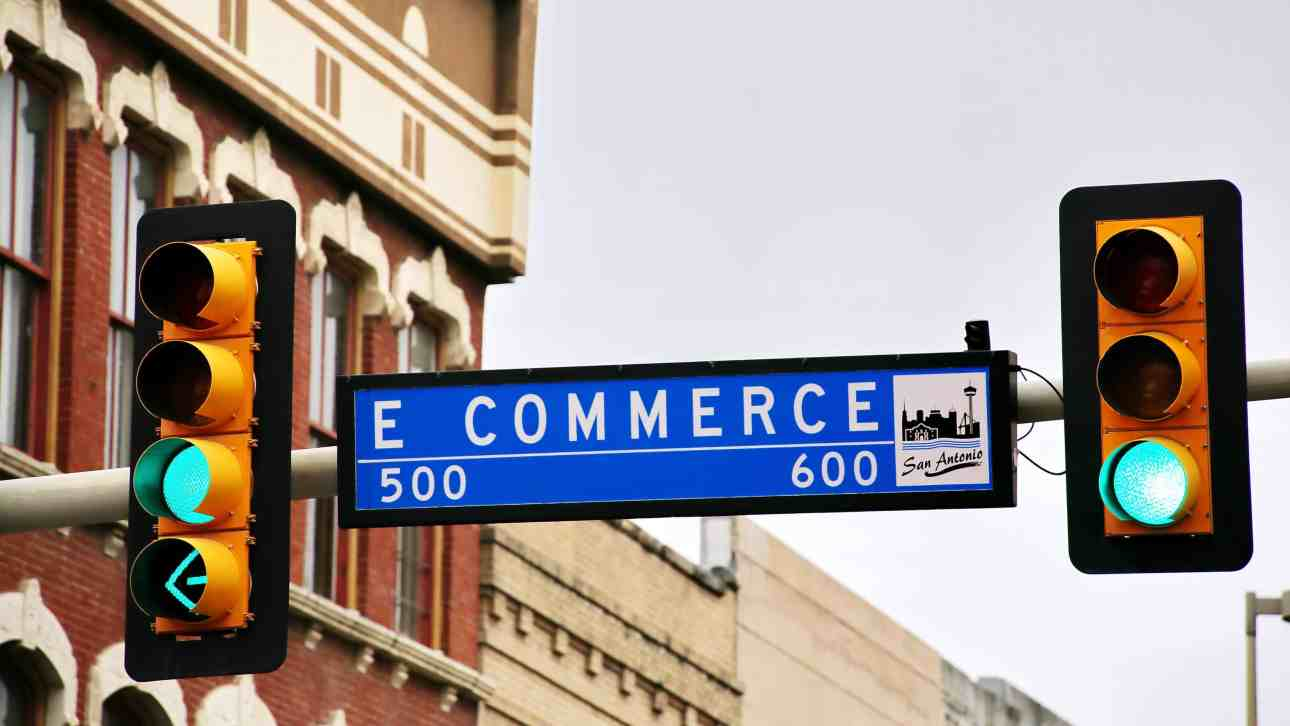 8 Useful Tips You can Use to Start an Ecommerce Business While in College
