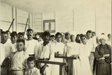 A photograph of Puerto Rican people in a medical facility