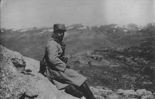 A French officer overlooking the Jabal Druze territory