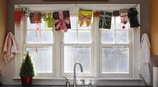 70 Awesome Christmas Window Décor Ideas
