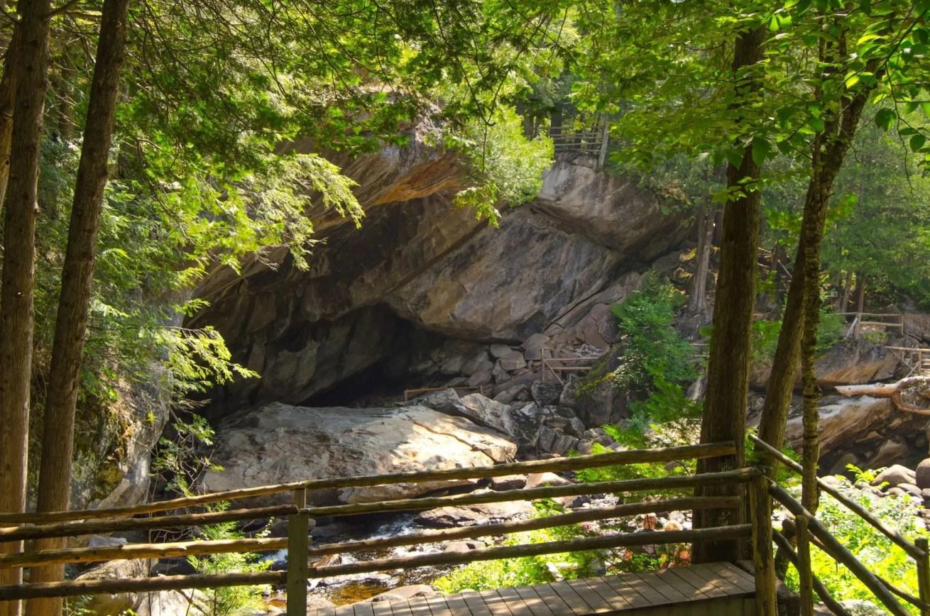 Natural Stone Bridge and Caves