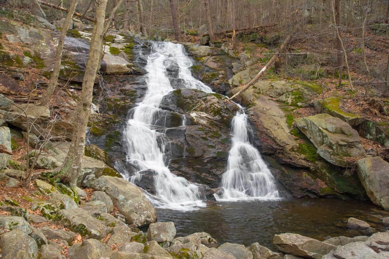Wawterfall, trees, rocks