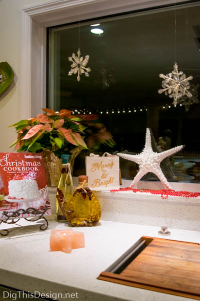 Tips on Decorating Window Sills For the Holidays | Dig ...