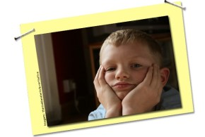 criança sem nada para fazer: ócio estimula a criatividade!