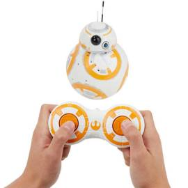 Fãs de Star Wars vão à loucura com este droide eletrônico do BB8 que simula os mesmo movimentos do robô no filme.