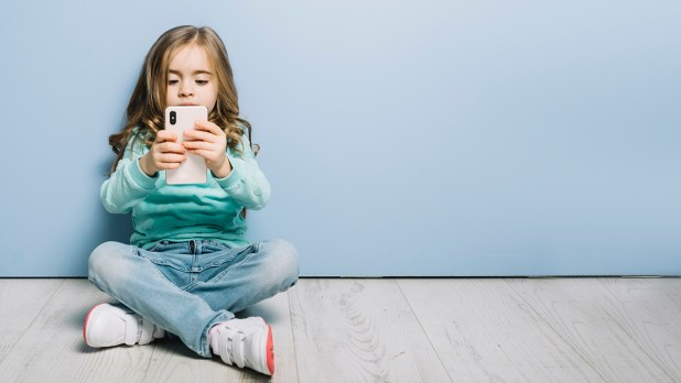 Como saber e monitorar o que seu filho faz no celular
