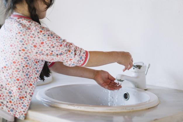 Lavar as mãos: Como criar o hábito nas crianças