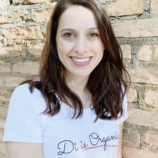 Di Ter Avest - Professional Organizer, Owner of Di is Organized, and creator of the Organize Yourself Healthy Program.