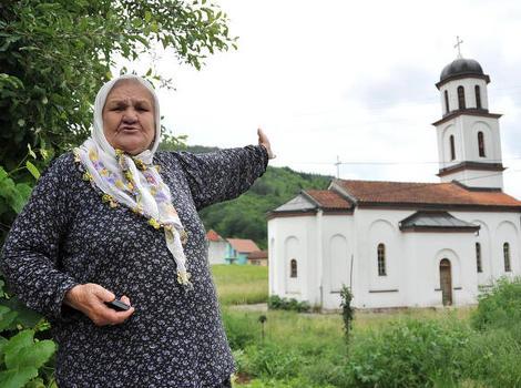 Nana Fata Orlovic-Srbi su mi Nudili 2 Miliona KM da im prodam svoju zemlju  gdje su izgradili nelegalno crkvu.Meni pare ne trebaju.Zelim da je srusite  jer je u mojoj avliji – Dijalog