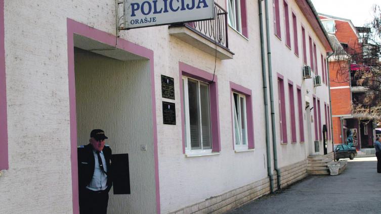 Policajac imao spolni odnos sa sedmogodišnjom pastorkom