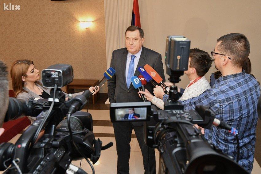 Dodik: Ukoliko Bošnjaci budu spremni na izmjene Zakona o zastavi, imamo rješenje