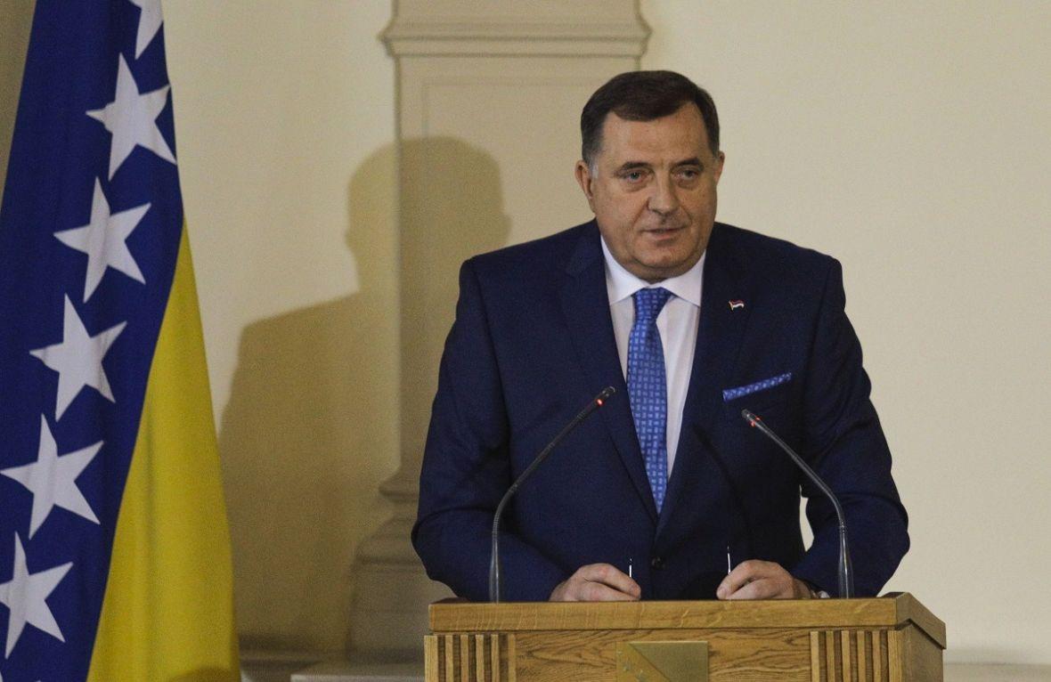 Dodik: Bit će sjednica ukoliko u sali ostane samo jedna zastava BiH