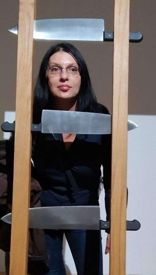 Dijana Dimitrovska pisac, novinar, autor nekoliko knjiga, stotinak intervjua i reportažaeogradu
