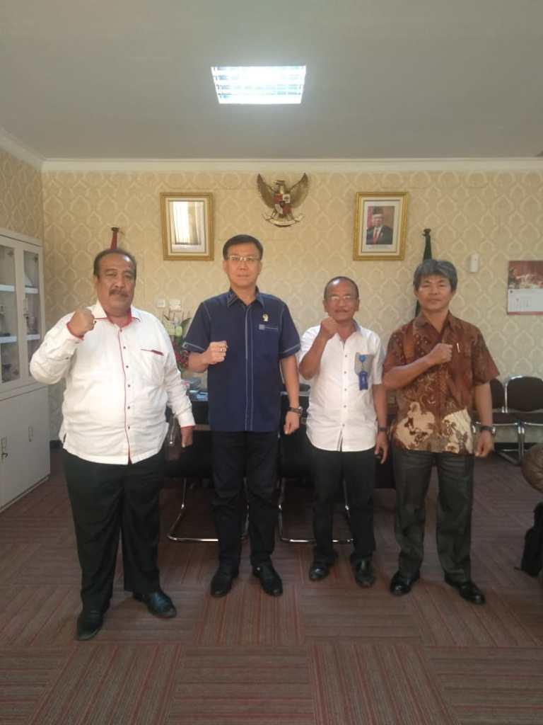 Relawan Padamu Negeri Dampingi Pimpinan Panti Asuhan Sendoro Diskusi Dengan Ketua DPRD Kota Medan