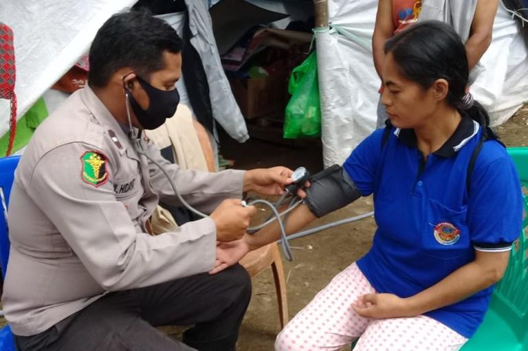 Bakti Sosial Dit Samapta Polda Sulsel Kepada Korban Dampak Banjir Bandang di Luwu Utara
