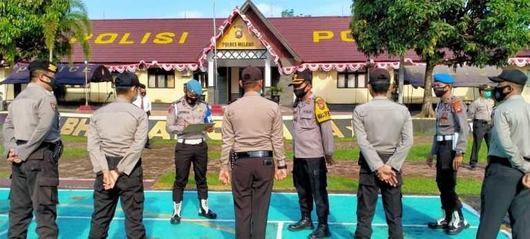 Waka Polres Melawi Kompol Agus Cek Kehadiran Personil