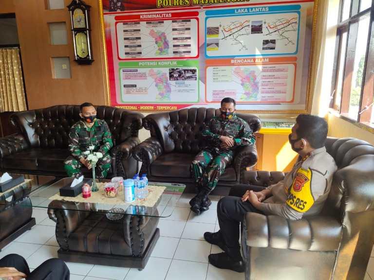 Kapolres Majalengka Sambut Kunjungan Silaturahmi Danyon Raider 321, Perkuat Sinergitas TNI-Polri