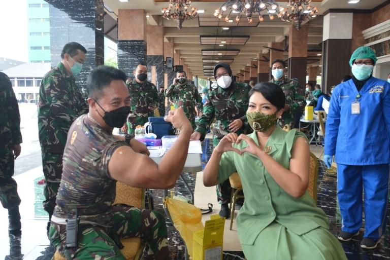 Kasad Andika Perkasa Pimpin Vaksinasi Serentak TNI AD