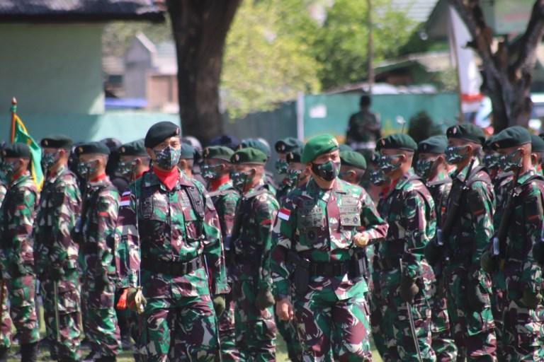 Serahterima Jabatan dan Tradisi Korps Danyonif RK 751/VJSJ Dipimpin Pangdam XVII/Cenderawasih