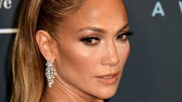 Jennifer Lopez e Ben Affleck, il primo bacio ufficiale su Instagram fa sognare