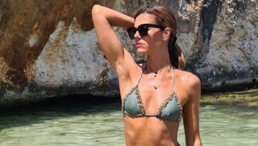 Bianca Guaccero, stupenda in costume incanta su Instagram