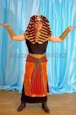 1426. Фараон в черном