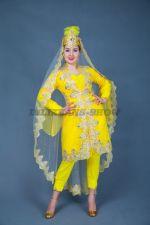 5518. Хайя. Девушка из Самарканда в желтом наряде.