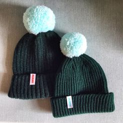 the-munch-store-hats-bobble-dilly-and-the-boo-blog-twinning