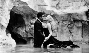 Marcello Mastroianni and Anita Ekberg in Fellini's La Dolce Vita 1960. Photograph Ronald Grant Archive