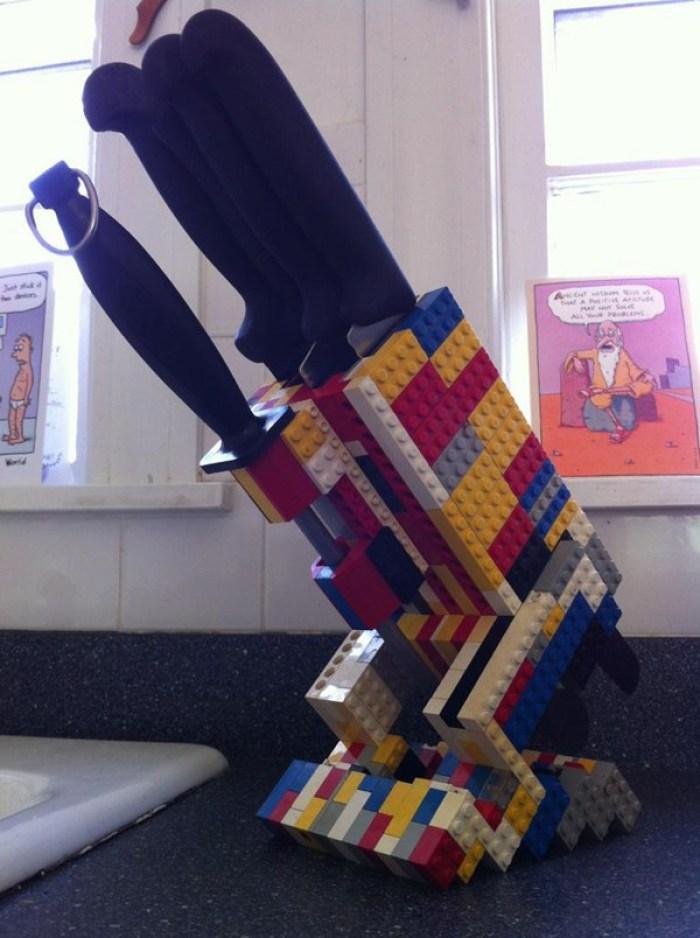 Permainan LEGO untuk Tempat Pisau