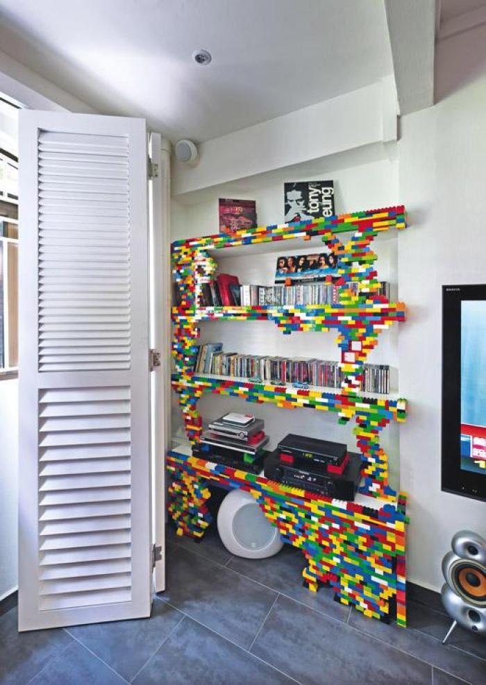 Cara Menyusun Lego di Rumah jadi Hiasan Rak Buku