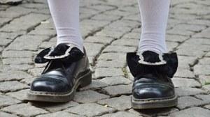 shoes-365385__180