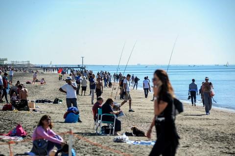 Questa immagine ha l'attributo alt vuoto; il nome del file è 3303481_Spiaggia_autunno_domenica_6.jpg