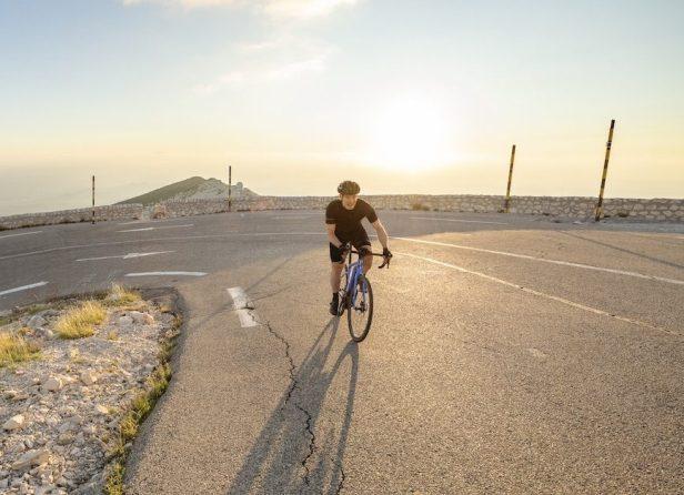 Vélo Giant Road E+ Pro dans le Mont Ventoux