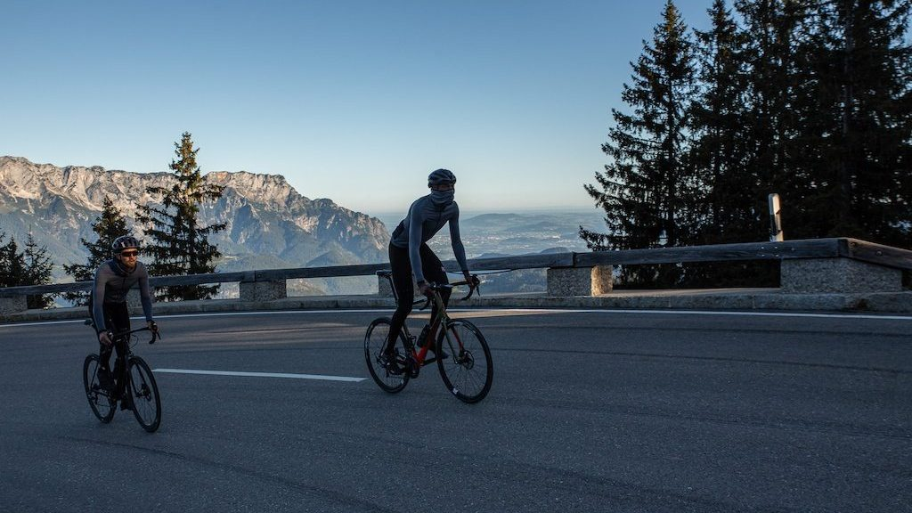 cyclistes en tenue Pedaled Kino Power Wool