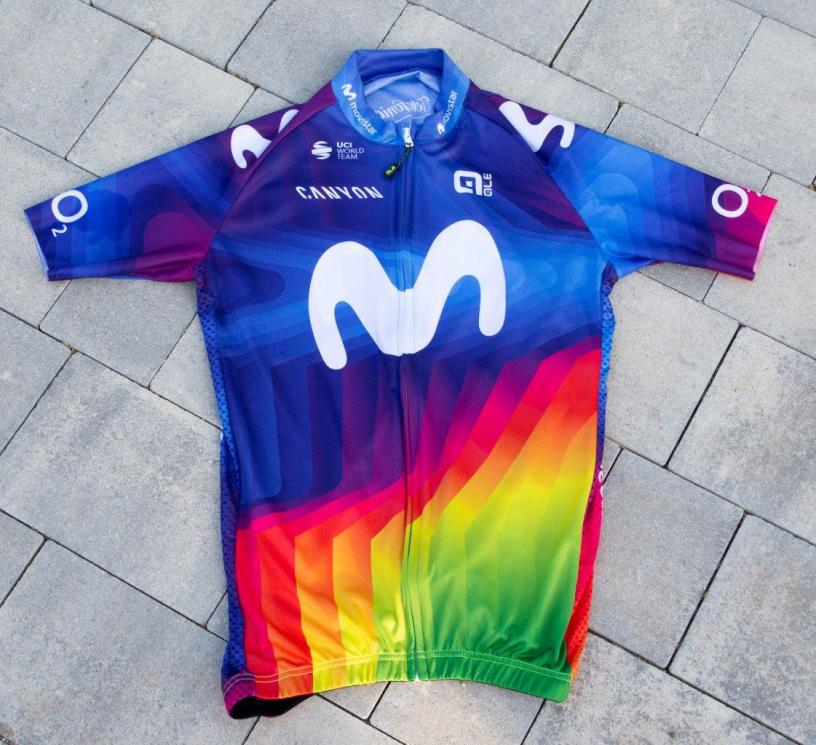 Movistar Team le maillot des champion Alé