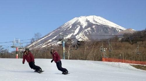 【溫情東瀛】【寒假正月親子滑雪】日本世界遺產富士山二合目滑雪一日游【含滑雪用具與車票】線路推薦【攜程玩樂】