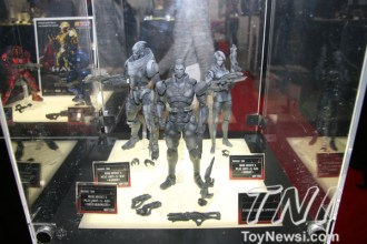 Square Enix - Mass Effect 3 Play Arts