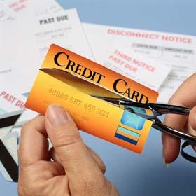 Как да изплатим кредит - ножица реже кредитна карта