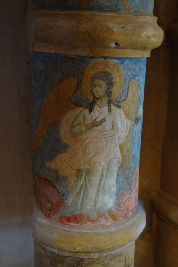 Ангел. Фрагмент каменного иконостаса Зачатьевского собора Спасо-Яковлевского монастыря