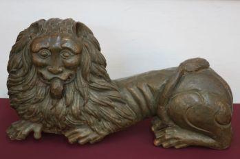Лев. Скульптура XVII в. Поступила в 1883 г. из церкви Николы Надеина г. Ярославля