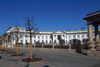 Вид на правое крыло Странноприимного дома графа Н. П. Шереметева со стороны Садового кольца