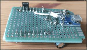 Вид сзаду сбоку на термометр на базе esp8266 с wifi