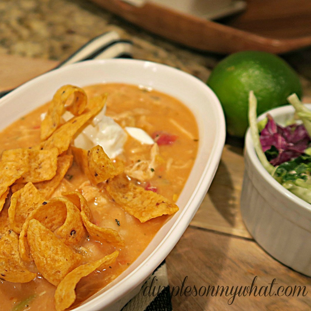 Yummy cheesy chicken chili is only 4 ingredients and 20 minutes from your table.