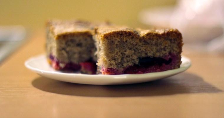 Ruduo ateina, kepu slyvų pyragą