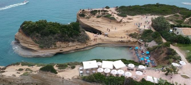 Dia 2, Canal d'Amour y playa Agios Stefanos