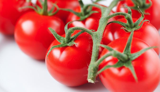 Πώς ξεφλουδίζουμε τις ντομάτες;