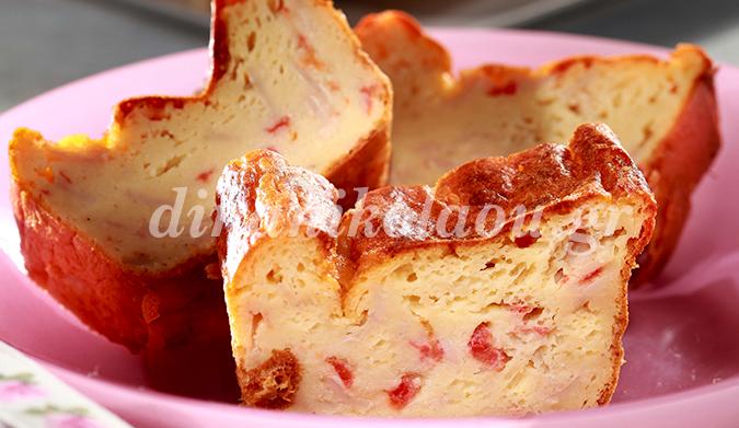 Κέικ με τυρί, ζαμπόν και ντομάτα