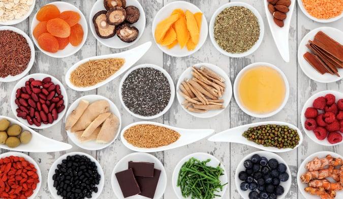 10 super τροφές που βοηθούν στο αδυνάτισμα